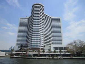 Sheraton as seen from the river Chaopraya.