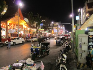 I love the colorful night scene in Chiang Pai.