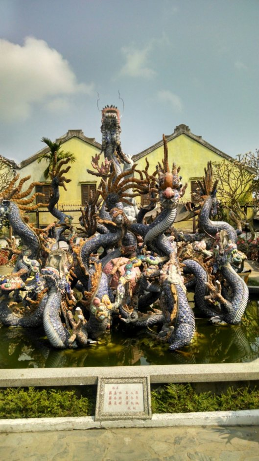 The Assembly Hall holds an amazing fountain that features a dragon. The dragon is a beautiful creation made out of pottery.  Various Cantonese statues are spread out all over the hall. Some of these statues reflect the musical dramas of he Cantonese culture.