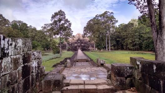 Raised walkway to bakheng temple.