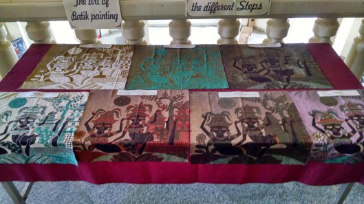 Here are the various stages of painting a Batik.