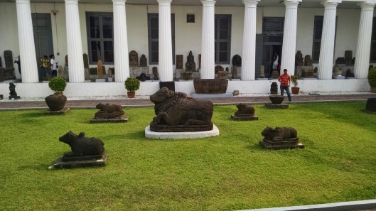 Statues located in the inner courtyard of the National Museum.