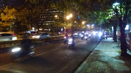 Again, a night shot of a relatively light traffic moment in Jakarta. Another reason I liked moving around during the evening was because it was much cooler versus the day time. Less humidity too.
