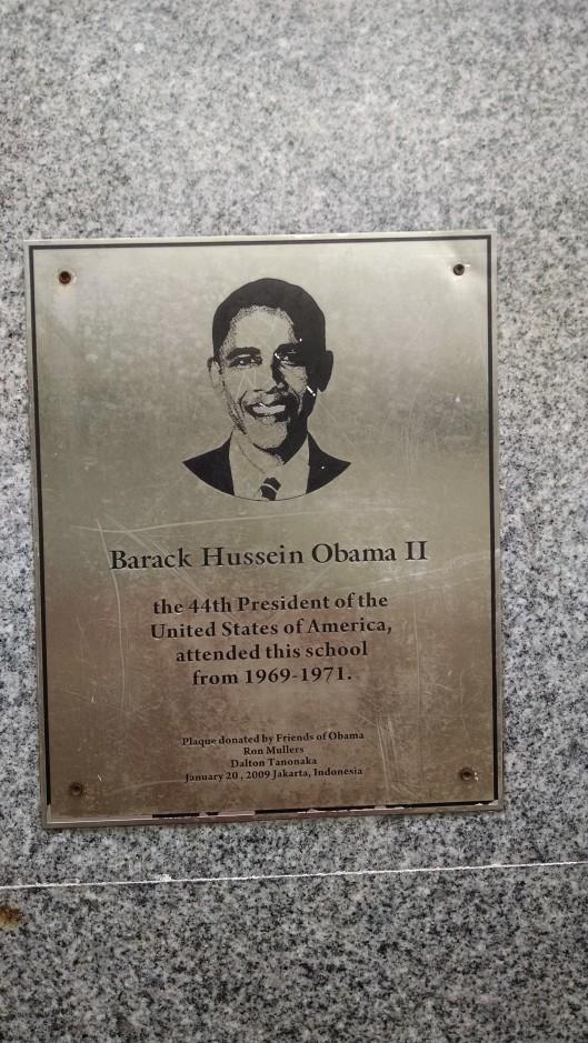 Obama plaque.